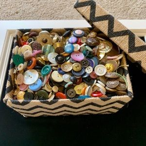 Crafter's dream gift! Huge variety buttons vtg now